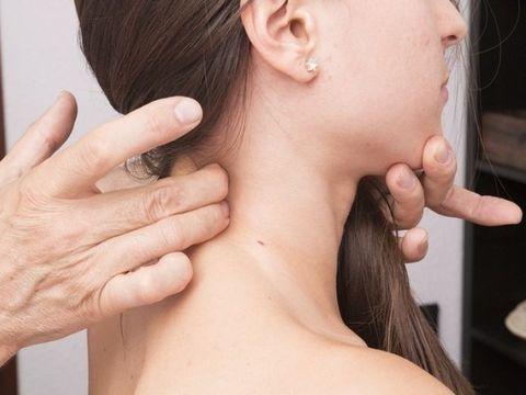 7 femei din 10 suferă de aceste simptome. Primele semne care apar în toate tipurile de cancer! Mare atenţie la ele