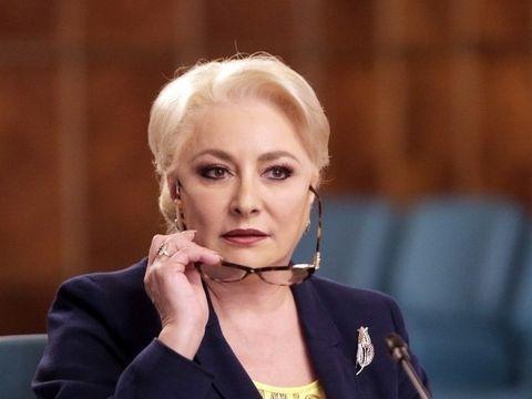 Viorica Dancila, prima postare pe Facebook! Scandal si ironii in comentarii