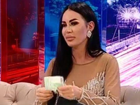 """Declarația anului vine de la o ispită: """"Fără 1000 de euro în poşetă nu ies din casă, mă simt boschetară"""""""
