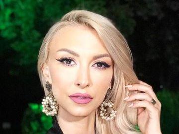 """Andreea Bălan, confundată cu Andreea Bănica de un călugăr! Răspuns fabulos: """"Zic nu, că ea..."""" Ce a spus despre colega ei de breaslă"""