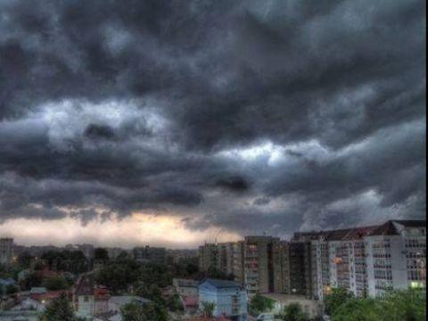 Alertă ANM de ultimă oră! Cod portocaliu de furtună în București!