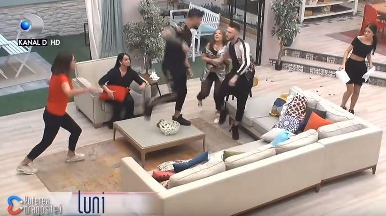 De ce e Simina furioasă că Hamude a ajuns din nou la Puterea Dragostei? Ce s-a întamplat între ei în afara casei