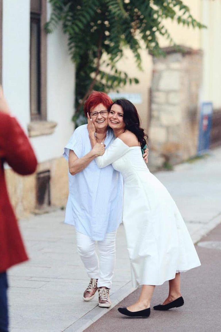 """Una dintre artistele de la noi s-a căsătorit în secret cu iubitul său: """"Luată și dusă în lume..."""""""