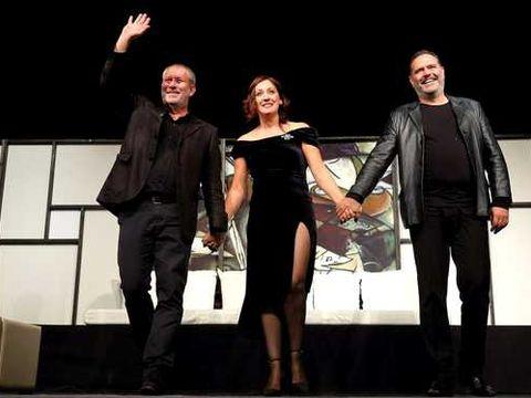 Florin Busuioc a revenit pe scena unde a făcut infarct! Gestul emoționant al actorului la finalul spectacolului! Toată lumea a aplaudat frenetic