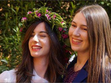 Otilia și Veronica, înmormântate în aceeași zi după cumplitul accident din Bologna! S-a arborat drapelul în localitatea în care trăiau