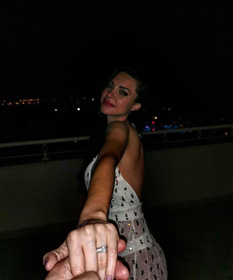 Fericire mare! Olitia Bilionera se mărită! Avem imagini cu inelul