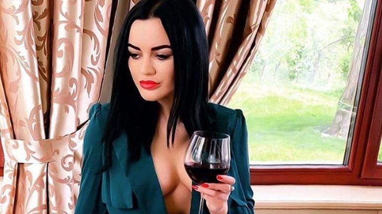 Cea mai sexy apariție a celebrei Carmen de la Sălciua! A lăsat TOTUL la vedere