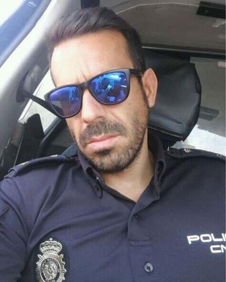 """Îți mai amintești de Nikita? S-a mutat în Spania și s-a logodit cu un polițist de acolo: """"Regret că nu l-am întâlnit din prima clipă"""""""