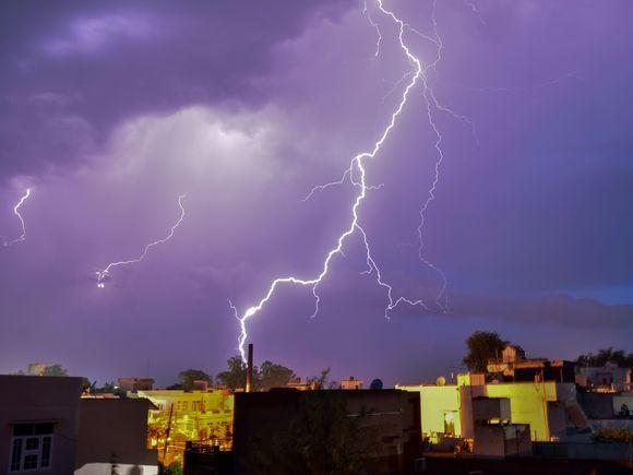 Furtunile puternice fac primele victime! Două turiste au murit!
