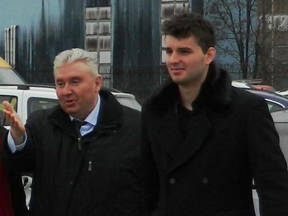 """Victoraș Micula susține că are informații că va fi arestat! """"Știu și sunt conștient de ce urmează""""! Polițiștii au intrat în casă și l-au percheziționat"""