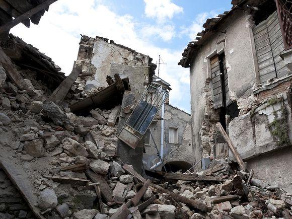 Cutremur puternic, în urmă cu puțin timp! 13 persoane au murit, stare de alertă generală