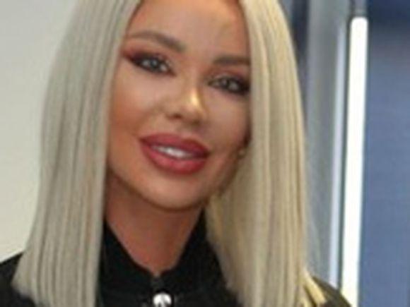 Evaluare naţională 2019. Bianca Drăguşanu a fost spaima liceului! Şi-a aruncat o colegă prin geam, a bătut 12 fete cu mătura şi a fost exmatriculată de două ori!
