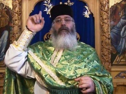 """Părintele Calistrat, predică excepțională: """"Părinte, aş veni, dar este grupul acela de babe rele şi spurcate la gură"""""""