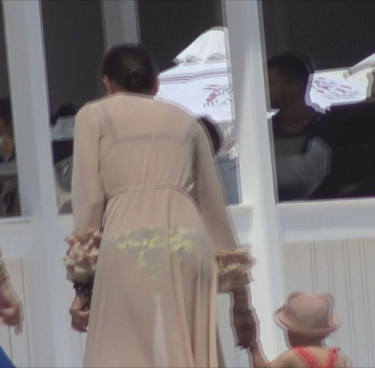 Geanina Ilieş arată senzaţional în costum de baie! Uite cum au surprins-o paparazzii! VIDEO EXCLUSIV!