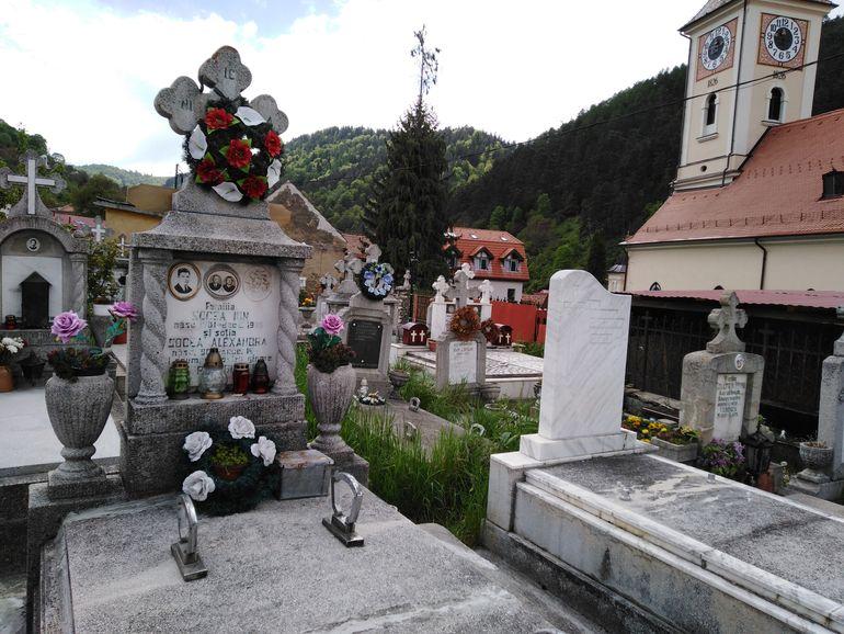 """""""Monstrul din Brașov"""" n-are cruce în cimitir! Taximetristul Ionuț George Nicolae a fost ucis de colegul de celulă, după ce torturase și omorâse două fete FOTO"""