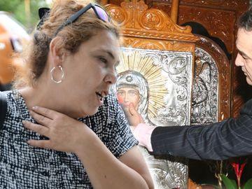 Superexclusivitate! Ioana Tufaru l-a implorat pe Gigi Becali, la biserică, să o mute din garsoniera din Berceni! Vezi ce a păţit femeia şi unde locuieşte acum cu familia ei! VIDEO!