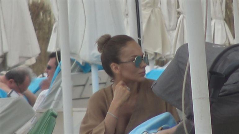 Este IREAL cum poate să arate iubita lui Alin Cocoș după ce a născut! Monica Orlanda, la plajă cu fiul ei