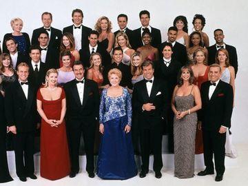 """Cum arată acum actorii din """"Tânăr și neliniștit"""", la 46 de ani de la debutul serialului! Au filmat peste 11.000 de episoade!"""