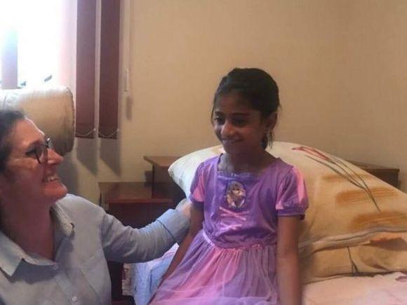 """Primele declarații ale tatălui adoptiv al Sorinei, fetița luată cu mascații! """"Când am văzut că e de etnie romă am zis: """"Doamne ce.."""""""""""