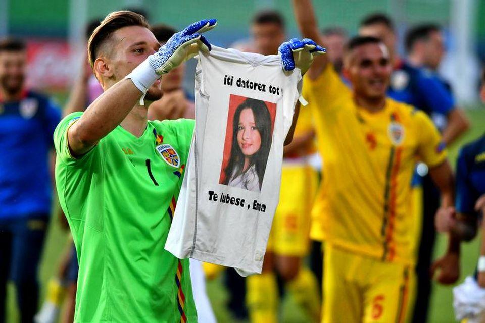 Drama sfâşietoare a lui Ionuţ Radu, portarul şi căpitanul naţionalei U21! Când avea 9 ani, i-a murit sora de 14 ani! După victoria cu Anglia, le-a arătat tuturor un tricou cu chipul Emei!