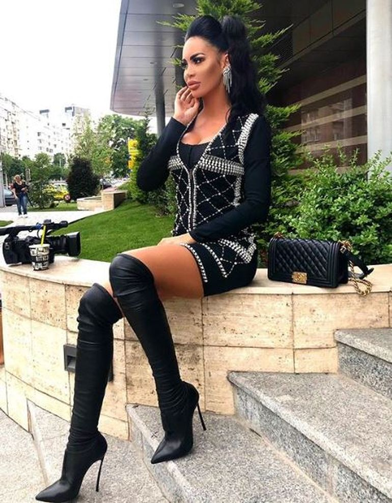 """Schimb de replici între Cristina Ich și Bianca Pop, după ce ispita a spus că nu iese din casă fără 1.000 de euro în portofel: """"Prostia nu are limite!"""""""