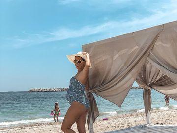 Diana Dumitrescu şi-a scos burtica la plajă! Cum arată graviduţa acum