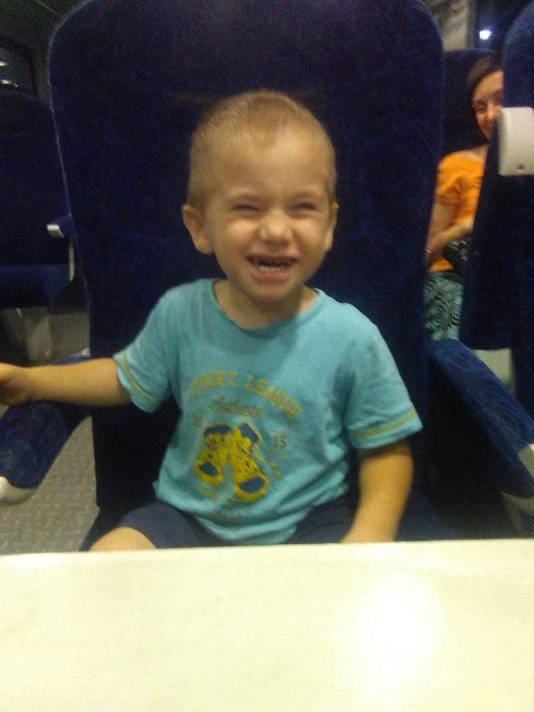 Schimbare mai şocantă nu ai văzut în viaţa ta! Uite cum arată acum băiatul Ioanei Tufaru! Nici propria mama nu-l mai recunoaşte! FOTO EXCLUSIV!