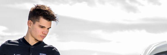 Ianis Hagi conduce un bolid cu 340 CP! Starul naționalei Under 21 face spectacol și în trafic, nu doar în teren