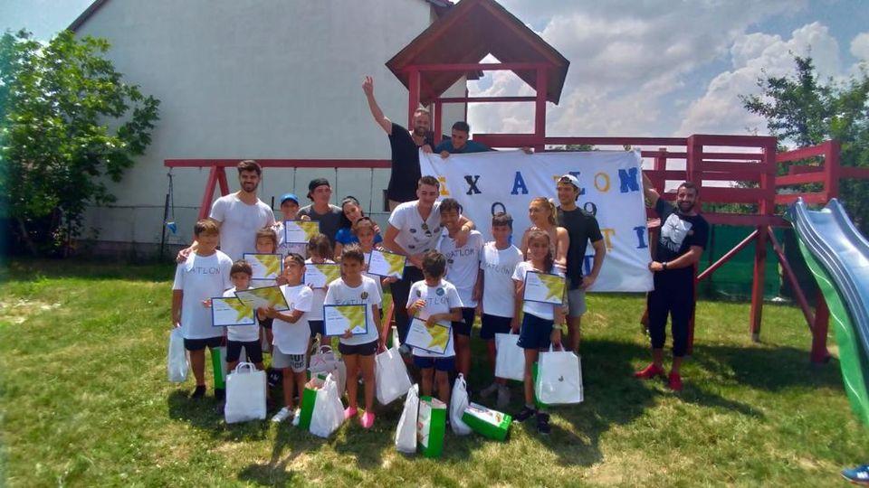 Foștii concurenți Exatlon, alături de copiii unui centru de plasament din București