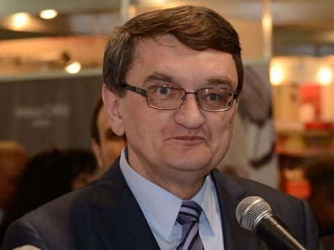 Victor Ciorbea are datorii de peste un milion de euro! El şi soţia le pot plăti din pensiile uriaşe, care le aduc aproape 80.000 de euro pe an!