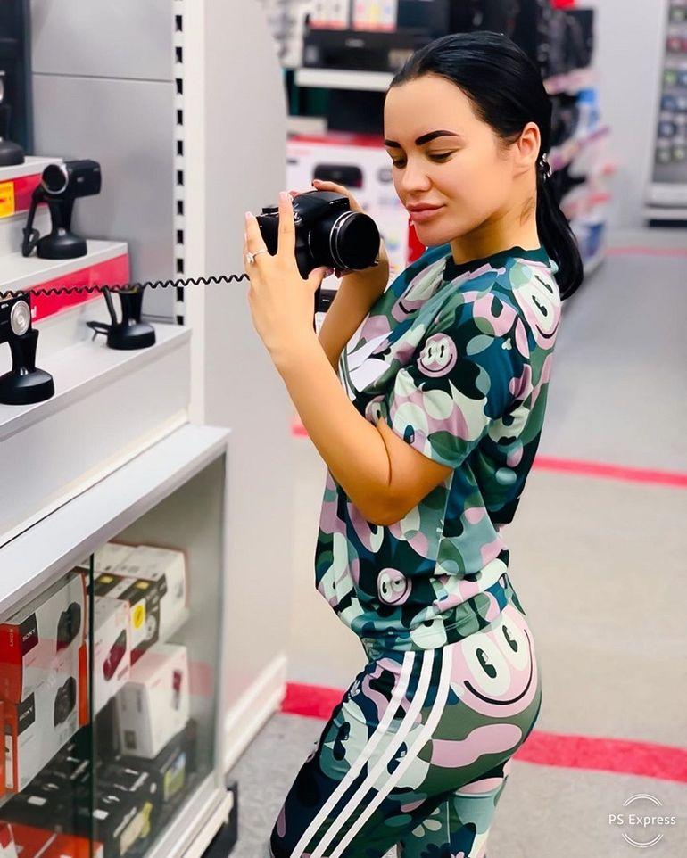 """Youtuberii au de ce să se teamă! Carmen de la Sălciua aka. """"Regina Youtube-ului"""" vrea să intre în lumea vlogging-ului"""