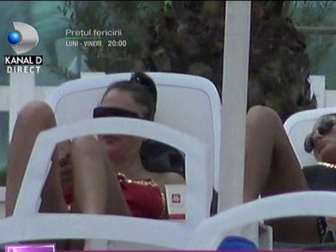 Roxana Dobre, la plajă! Cum au prins-o paparazzii pe soția lui Florin Salam și cu cine era!
