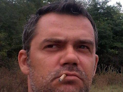 A murit la 41 de ani! A fost găsit mort în casă