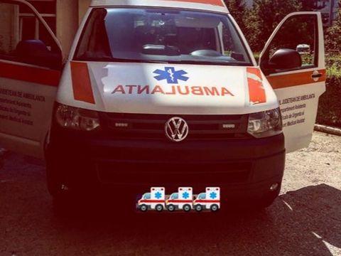 O fetiță de trei ani a căzut în gol de la etajul doi, sub ochii părinților! Cum au găsit-o medicii