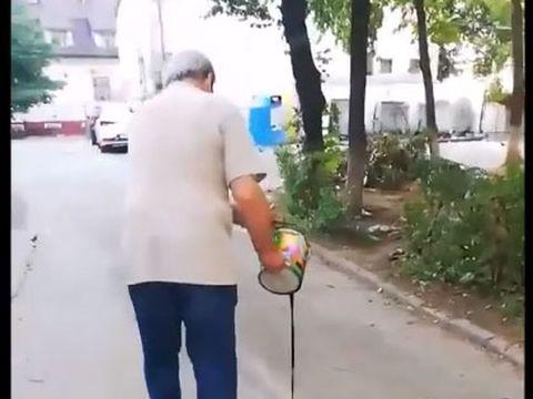 Răzbunare incredibilă! Ce a făcut un pensionar din Bacau deranjat de puștii care jucau fotbal în fața blocului său