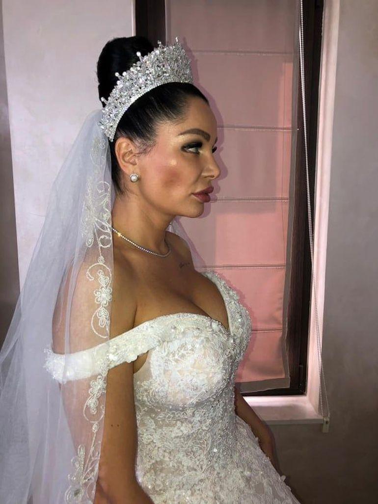 Cum s-a fardat Brigitte pentru nunta lui Florin Pastramă! Toată lumea a făcut ochii mari când a văzut-o așa