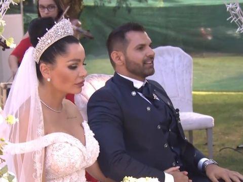 Cum s-a îmbrăcat Adriana Bahmuțeanu la nunta lui Brigitte Pastramă! A atras privirile tuturor
