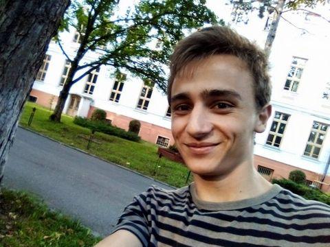Un tânăr de 18 ani din Oradea s-a spânzurat după ce a susținut Bacalaureatul! Puștiul luase 9.25 la BAC și fusese admis la o facultate din China! Ce l-a determinat să-și ia viața