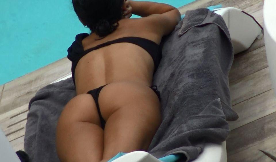 Imaginile verii: Inna, filmată la piscină! Cum arată de fapt vedeta fără filtre și photoshop? VIDEO EXCLUSIV