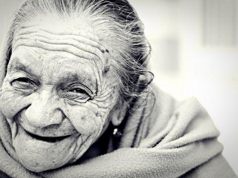 Bătrânica din Iași care a umilit un escroc! Ce i-a făcut femeia e demn de filmele de acțiune