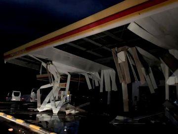 Furtună teribilă în Halkidiki. Doi români, o femeie și fiul ei de 8 ani, au murit! S-a instituit stare de urgență în Grecia! VIDEO