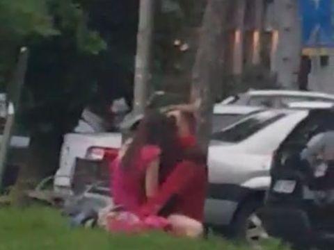Scene sexuale surprinse într-un părculeț din București! Trecătorii au rămas interziși când i-au văzut. A fost filmat totul