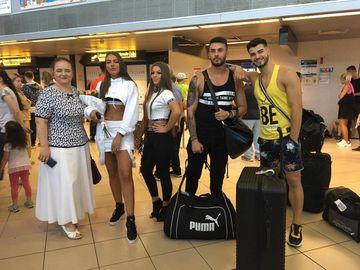 Finaliștii de la Puterea Dragostei s-au întors în România! Primele imagini cu ei la Aeroportul Otopeni! Thalida, Roxana, Simona, Bogdan Iordache, Alex Bobicioiu, Iancu și Beni spun totul pentru WOWbiz.ro