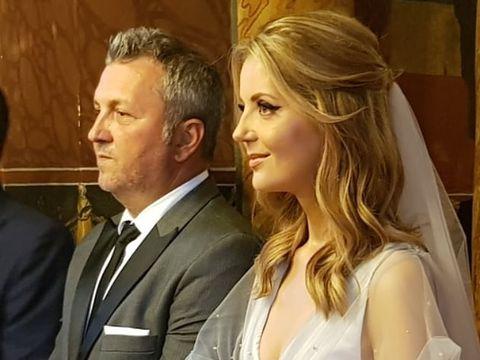 O celebră prezentatoare tv din România s-a măritat în secret! Imagini de la cununia religioasă a Nadinei Câmpean FOTO