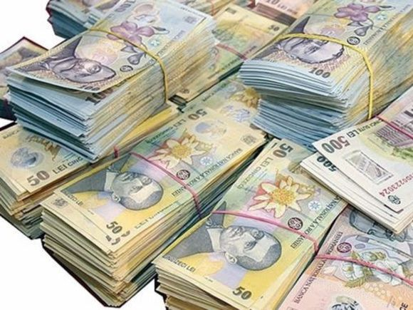 Falsurile de bancnote au crescut cu circa 25% anul trecut! Iată care sunt banii preferați de către infractori