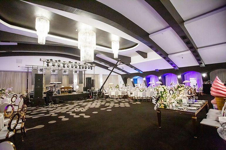 Panică înainte de nunta Adelinei Pestrițu! Organizatorii au dărâmat tavanul salonului în care are loc EVENIMENTUL ANULUI. Ce s-a întâmplat! |  EXCLUSIV