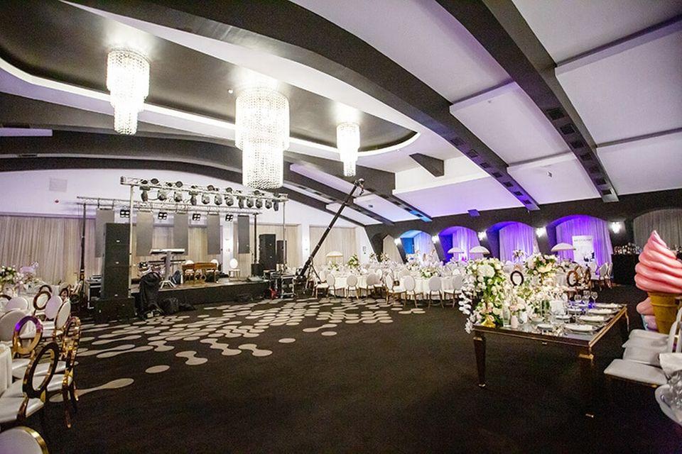 Panică înainte de nunta Adelinei Pestrițu! Organizatorii au dărâmat tavanul salonului în care are loc EVENIMENTUL ANULUI. Ce s-a întâmplat!    EXCLUSIV