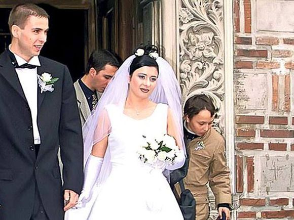Anamaria Prodan arăta complet diferit la prima nuntă, acum 20 de ani! Imagini fabuloase cu ea și fostul ei soț