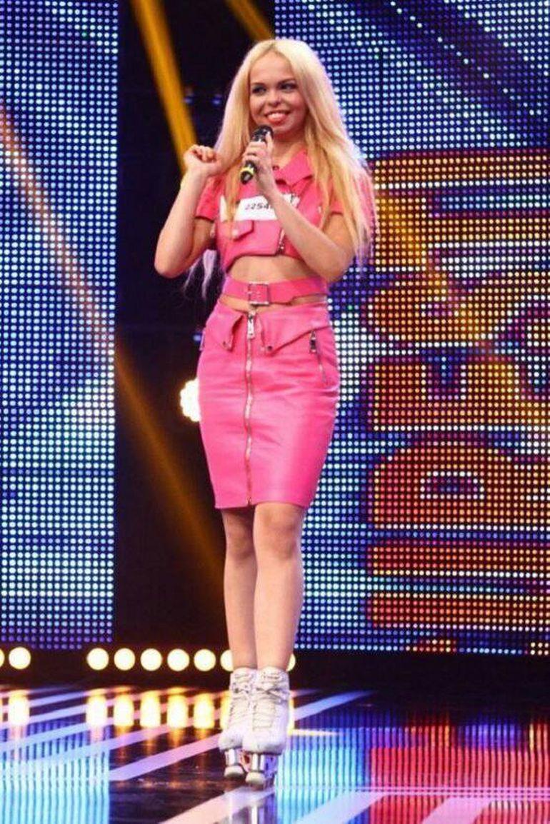 O mai știi pe Barbie de România? Ani de zile s-a chinuit să ia BAC-ul! Ce a făcut anul acesta