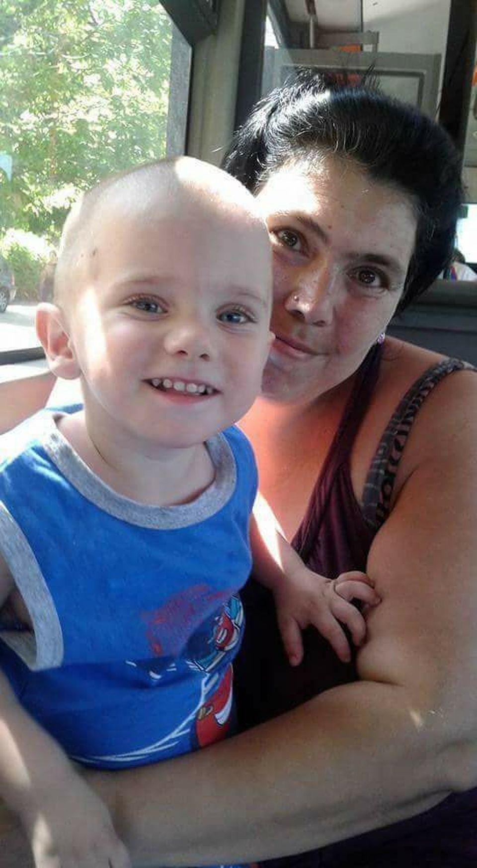 Ioana Tufaru, acuzată că-şi bate copilul! Vezi cum răspunde femeia acestor declaraţii şocante!